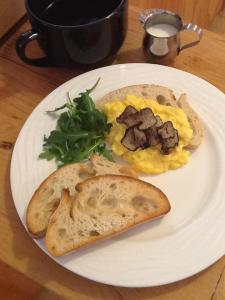 Breakfast with Truffles